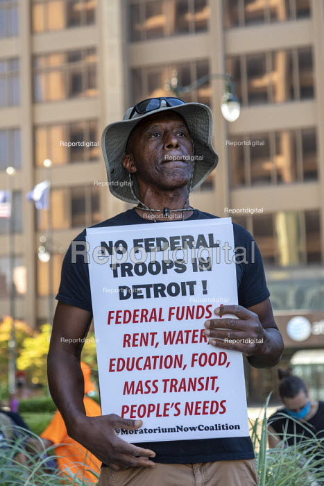 USA: No Federal Police in Detroit Rally. A rally at the Federal Building opposing the plan to send federal police to Detroit. Protesters said federal money should instead be used for health and income support during the coronavirus pandemic. - Jim West - 2020-07-31