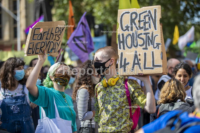 Green Housing for all. Extinction Rebellion, Unfuck the system protest, Parliament Square, London. - Jess Hurd - 2020-09-01