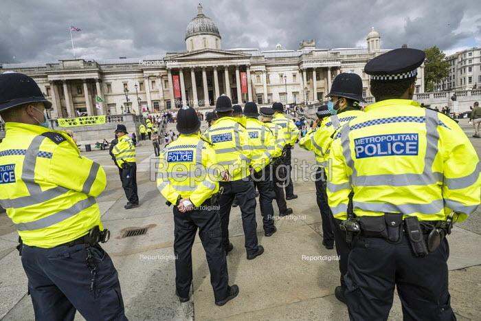 Police preparing to stop Citizens Assembly Extinction Rebellion protest using Coronavirus Legislation, Trafalgar Square, Westminster, London - Jess Hurd - 2020-09-05