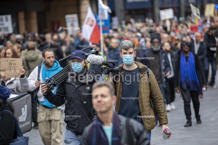 Media with face masks, March For Freedom against Covid restrictions, London. - Jess Hurd - 2020-10-18