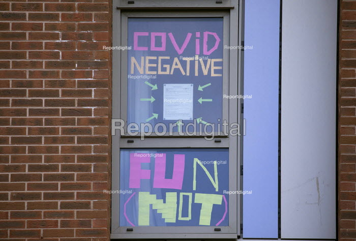 Covid-19 signs in the windows, Bristol University halls. Students in lockdown, The Courtrooms. Hundreds of students have tested positive for coronavirus - Paul Box - 2020-10-13