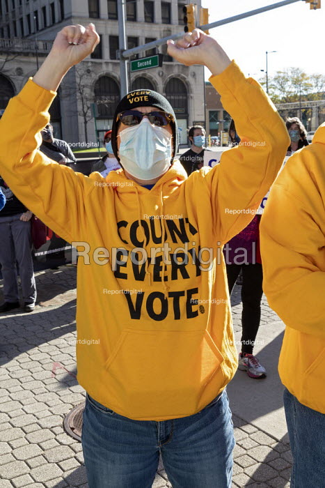Detroit, USA, protest demanding count every vote as President Donald Trump filed a suit to halt the counting of Michigan ballots in the 2020 presidential election - Jim West - 2020-11-04