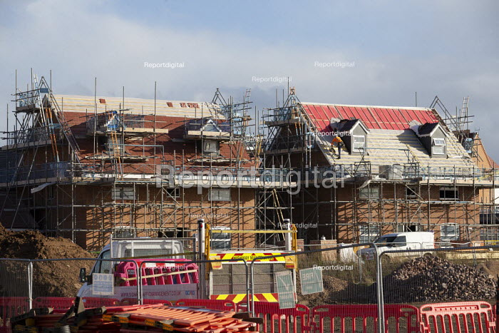 Construction of new luxury homes on the edge of town, Stratford upon Avon, Warwickshire - John Harris - 2020-11-02