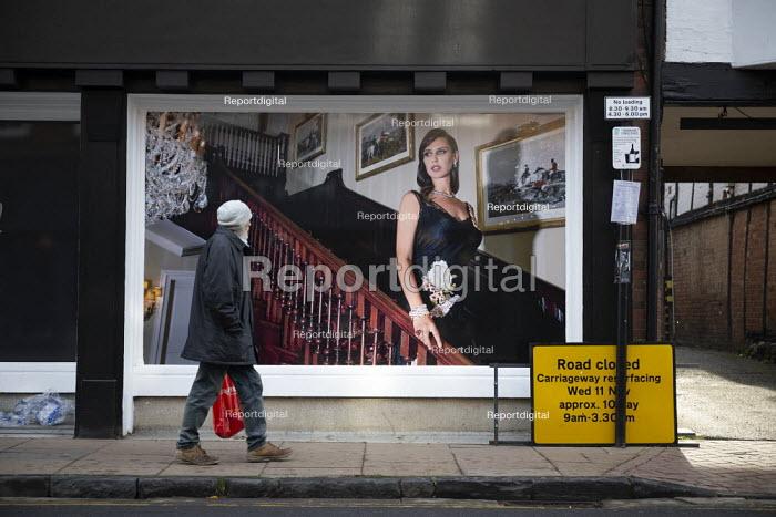 Advert for George Pragnell, prestige jewellers, taking over closed Debenhams store, Stratford upon Avon, Warwickshire - John Harris - 2020-11-07