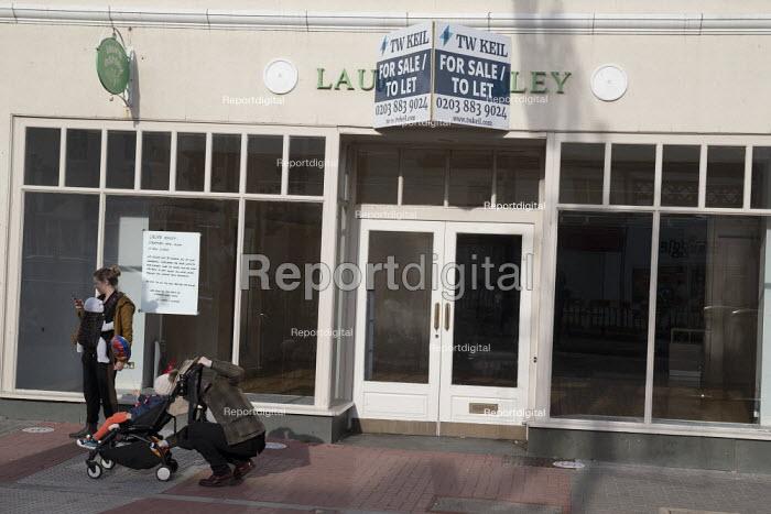 Closed Laura Ashley shop, Stratford Upon Avon, Warwickshire - John Harris - 2020-11-07