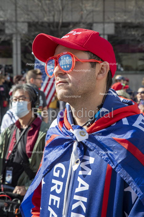 Detroit, USA Trump Supporters rally outside ballot count at the TCF Center, where absentee ballots in the 2020 presidential election were counted. They claim that the election was being stolen from Trump. Trump Sunglasses - Jim West - 2020-11-06