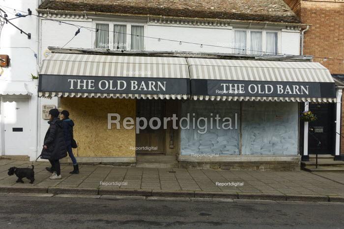 Closed independent Rug and Furniture shop Stratford-upon-Avon - John Harris - 2020-11-15