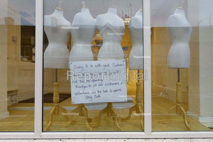 Closed sign, Age Concern charity shop with mannequins in the window, Stratford-upon-Avon - John Harris - 2020-11-18