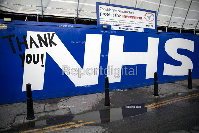 Thank You NHS tribute, building site outside The Royal Londo, Jess Hurd - jj210206.jpg