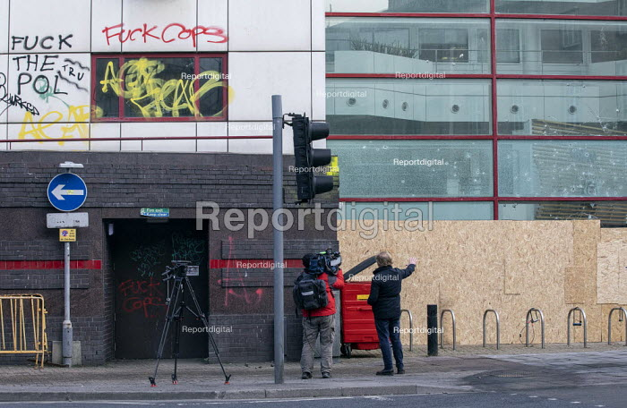 Media filming aftermath, Bridewell Police Station after Prot, Paul Box - PB2101323.JPG