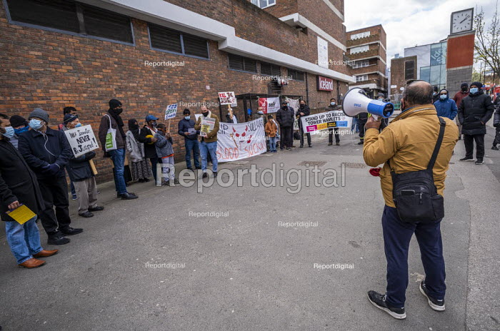 Tower Hamlets Community Housing residents protesting about m, Jess Hurd - jj2104082.jpg