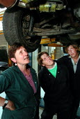 Motor vehicle mechanics course for women, Sheffield College. Tutor (left) with students - David Bocking - 24-07-2001