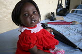 Portrait of young girl, Juba Teaching Hospital, South Sudan, May 2006. - Boris Heger - 26-05-2006
