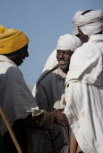 Villagers talking to each other, South Wollo region, Ethiopia, August 2005. - Boris Heger - 08-09-2006
