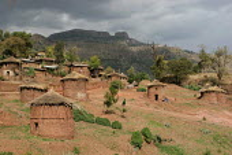 Village huts, Lalibela, Ethiopia, May 2005 - Boris Heger - 08-09-2006
