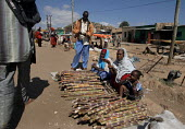 A family sells sugar canes in the streets of Gursom, in the Somali part of Ethiopia, February 2006. - Boris Heger - 02-02-2006