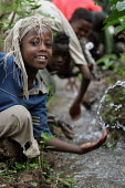 Children playing in a small river, near Dire Dawa, Ethiopia, October 2005. - Boris Heger - 26-10-2005