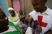 Nigerian Red Cross vaccinate children against Polio, Katsina, Nigeria 2006. - Boris Heger - 14-03-2006