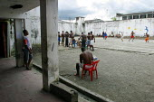 Detainees recreation time in the main prisons yard, Quibdo, Colombia, August 2004. - Boris Heger - 30-08-2006