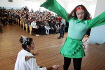 School performance, Khachmaz, Azerbaidjan, March 2005. - Boris Heger - 15-03-2005