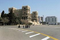 Dom Soviet, House of Soviets, Government House, architect Mikail Husseinov, mix of islamic and soviet architecture, Baku, Azerbaijan, 2005 - Boris Heger - 16-03-2005