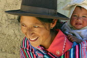 Mother and baby, Marccaraccay, in the region of Ayacucho, Peru, September 2004. - Boris Heger - 29-08-2004