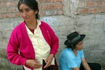 Women displaced from the region of Ayacucho by the guerilla group Sendero Luminoso, Shining Path Lima, Peru, September 2004. - Boris Heger - 29-08-2004