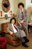 Identical Twins Frankie & Freddie Cox ... - Duncan Phillips - 1990s,1999,brother,brothers,families,Family,Genetic,Genetics,people,SOI social issues,twin,Twins