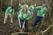 Ellie Harrison BBC TV wildlife presenter with BTCV British Trust for Conservation Volunteers at the launch of Spring into Life campaign, which encourages people to volunteer to carry out environmental... - David Mansell - &,2000s,2008,activities,BBC,bodybuilding,campaign,CAMPAIGNING,campaigns,celeb,celebrities,celebs,charitable,charities,charity,communities,community,conservation,country,countryside,cut,cuts,cutting,cu