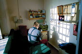 A day in the life of the inmates and staff of Kingston Prison, Portsmouth. A prisoner who is serving life for murder on the 'E-wing' for elderly prisoners. This is a unique wing in the prison service... - David Mansell - 16-01-2001