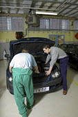 Young offenders on the Toyota service training programme, an 18 month course for car mechanics, at Aylesbury Prison. - David Mansell - 21-01-2003