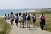 Schoolchildren taking part in a geography field trip visit the beach and headland of Hengistbury Head, it is important for its diversity of wildlife and geology and is a Site of Special Scientific Int... - David Mansell - 13-07-2009