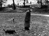 An elderly man in the Park, Balsall Heath Birmingham - David Mansell - 28-10-1976