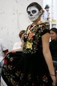 Woman dressed as a skeleton on the Day of the Dead, Oaxaca, Mexico - David Bacon - 30-10-2008