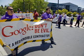 MOUNTAIN VIEW California: Googel Don't Be Evil, Security guards, members of the SEIU, and supporters from the Netroots Nation convention in San Jose demonstrate at Google Corp., protesting against the... - David Bacon - 06-06-2013