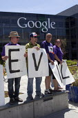 California - Evil. Security guards, members of the SEIU and their supporters protesting at Google Corp. during its annual shareholders meeting, the company uses a Non-Union Contractor contractor, SIS,... - David Bacon - 14-05-2014