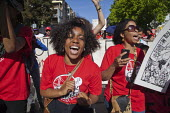 California, Fast food workers demanding 15 an hour minimum wage and union rights in a global day of action. USA - David Bacon - 15-04-2015