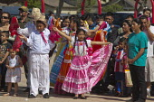 California, child dancers from the Triquis of Oaxaca, now living as migrants in the USA, at a festival of Oaxacan indigenous culture in Greenfield, where many Triquis have settled. - David Bacon - 19-04-2015