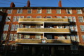 Council Estate Finsbury Park North London - Duncan Phillips - 06-02-2002