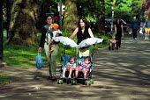 Mothers with children walking in London Park - Duncan Phillips - 15-07-2002