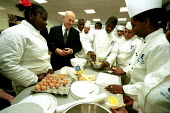 Iain Duncan Smith meeting secondary school catering pupils, St Augustines School, Camden, London - Duncan Phillips - 05-12-2002