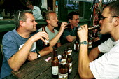 Lunchtime drinking outside a pub Islington London - Duncan Phillips - 15-08-2001