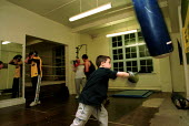 Boxing training at Boxing Gym islington London - Duncan Phillips - 15-11-2000