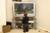 Child watching a large screen TV - Duncan Phillips - 02-03-2007