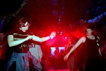 Students Dancing in nightclub , Bangor Wales - Duncan Phillips - 30-05-1999
