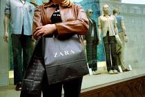 Women holding a Zara shopping bag Regent Street, London - Duncan Phillips - 15-06-2001