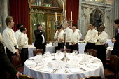 Catering staff preparing for a banquet at the Guildhall, London. Being instructed - Duncan Phillips - 2000s,2009,banquet,banqueting,boss,bosses,cater,caterer,caterers,catering,cities,city,d,dinner,dinners,drink,EARNINGS,EBF,Economic,Economy,employee,employees,Employment,EQUALITY,feast,food,FOODS,guild