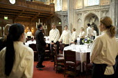 Catering staff preparing for a banquet at the Guildhall, London. Being instructed - Duncan Phillips - 2000s,2009,banquet,banqueting,boss,bosses,cater,caterer,caterers,catering,cities,city,d,dinner,dinners,drink,EARNINGS,EBF,Economic,Economy,employee,employees,Employment,EQUALITY,feast,FEMALE,food,FOOD