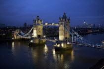 Tower bridge at night, London - Duncan Phillips - 27-05-2009
