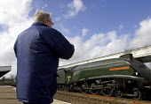 Train Spotter with steam train, leamington spa station - Duncan Phillips - 31-03-2006
